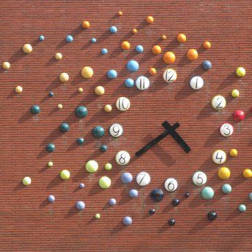 Klok Kunstwerk voor de Julianaschool in Bilthoven