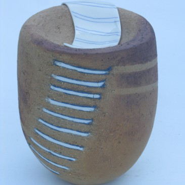 """""""Komvorm met porselein""""  doorsnede 14, hoogte 19,5 cm"""